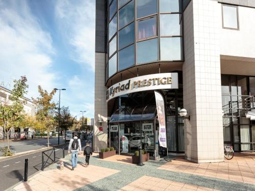 Kyriad Prestige Hotel Clermont-Ferrand : Hotel near Saint-Amant-Tallende