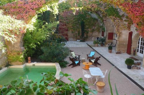 Cypres d'Antan : Bed and Breakfast near Rognes