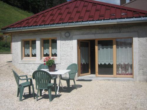 La Michaille : Guest accommodation near Choux
