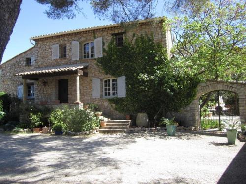Domaine L'Helion : Bed and Breakfast near Taradeau