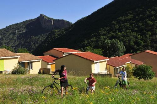 Le Vallon Des Sources : Guest accommodation near Archail