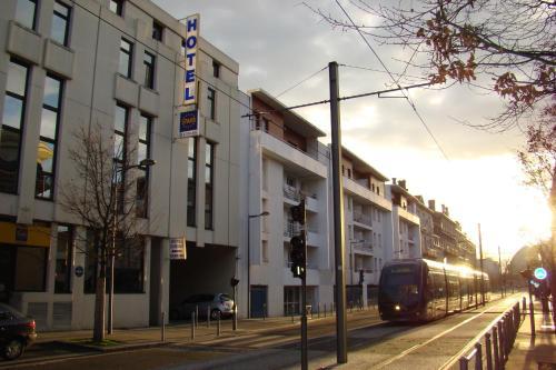 Stars Bordeaux Gare Saint Jean : Hotel near Bègles