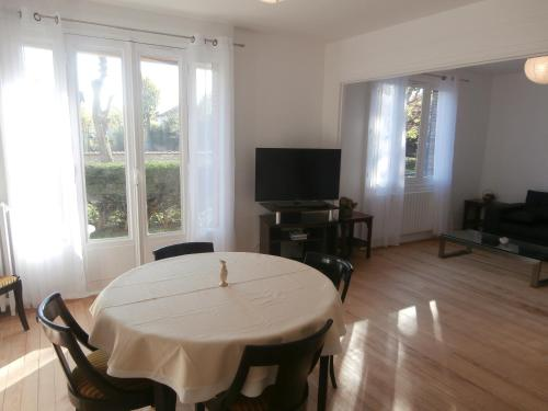Chatou Centre Ville : Apartment near Chatou