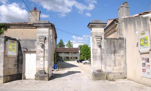 Hôtel Restaurant L'Essille : Hotel near Foussignac