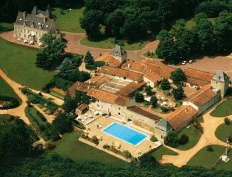 Hotel The Originals Château de Perigny : Hotel near Sanxay
