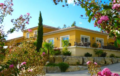 Les Villas du Vendoule : Guest accommodation near Lanas