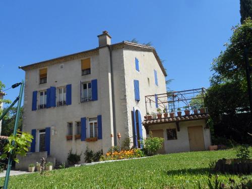 Chambres d'hôtes Mas De Rochebelle : Bed and Breakfast near Cendras
