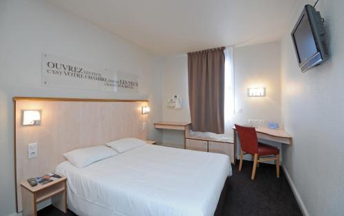 Hotel Lyon Croix Rousse (Futur ibis Styles) : Hotel near Champagne-au-Mont-d'Or