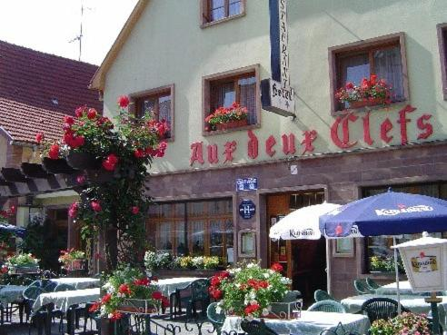 Aux Deux Clefs : Hotel near Romanswiller