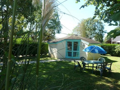 Camping de la Sole : Guest accommodation near Puybrun