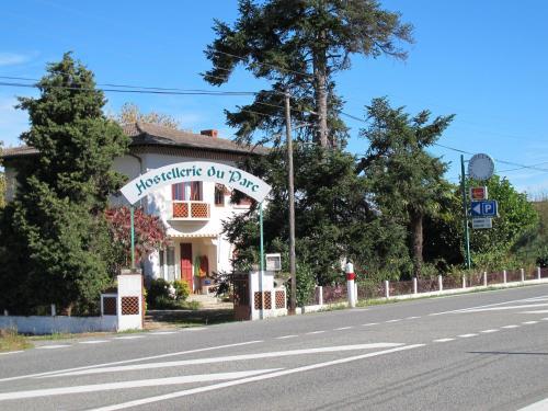 Hostellerie du Parc : Hotel near Francazal