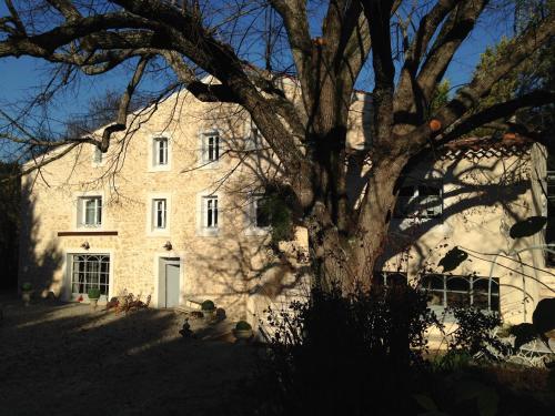 Le Moulin de Sonaille : Guest accommodation near Bouc-Bel-Air