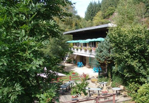 Chalet du Montal : Hotel near Dun-les-Places