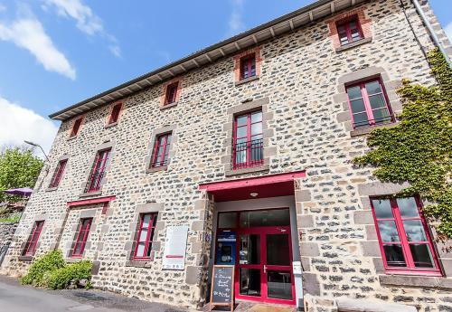 Gite-Hôtel La Cabourne : Hotel near Chambon-le-Château