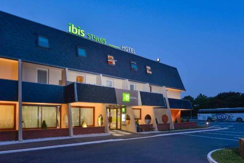 ibis Styles Parc des Expositions de Villepinte : Hotel near Roissy-en-France