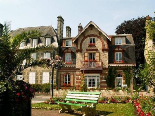 Le Grand Chalet : Apartment near Beaulandais