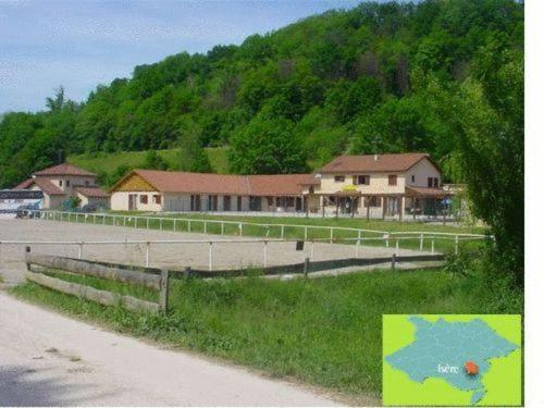 Le Centaure : Guest accommodation near Chirens
