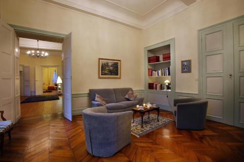 Les Suites de l'Hôtel Particulier De Sautet : Guest accommodation near Chambéry