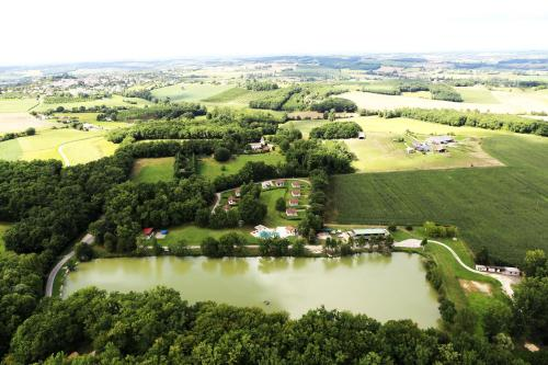 Lac De Cancon : Guest accommodation near Ferrensac