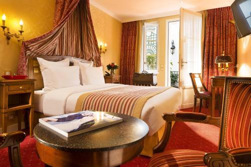 Hôtel de Varenne : Hotel near Paris 7e Arrondissement