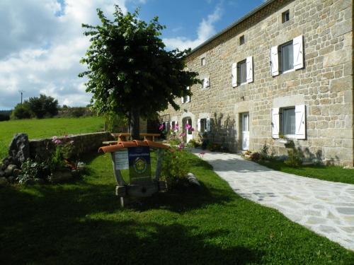 Les Pierres d'Antan : Bed and Breakfast near Paulhac-en-Margeride