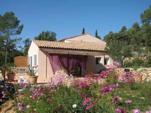 Charmante Petite Maison : Guest accommodation near Entrecasteaux