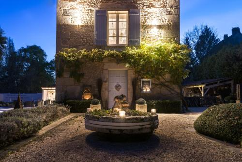 Le Moulin de Peychenval : Bed and Breakfast near Baneuil
