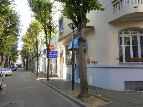 Trianon : Hotel near Saint-Prix