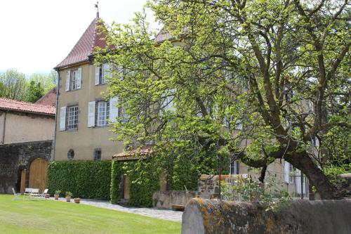 Château de Bourrassol : Bed and Breakfast near Chappes