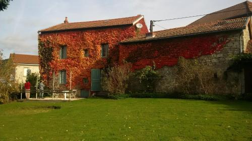 Maison Vacances Grun Batailler : Guest accommodation near Saint-Sixte