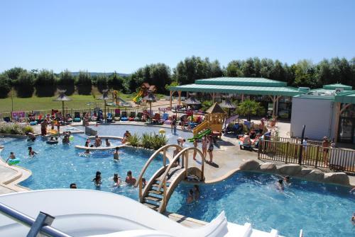La Roche Posay Vacances : Guest accommodation near Coussay-les-Bois