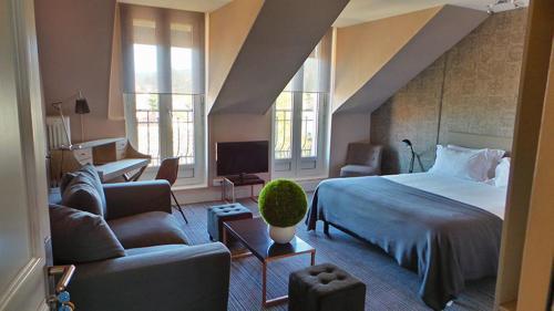 Le Nouvel Hôtel : Hotel near Échallon