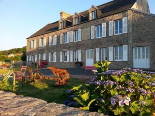 La Roche du Marais : Hotel near Herqueville
