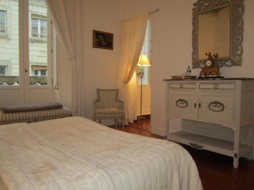 Villa des Demoiselles : Bed and Breakfast near Rochefort