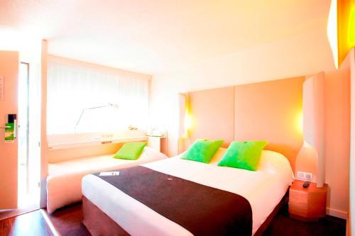 Campanile Brie-Comte-Robert : Hotel near Grisy-Suisnes