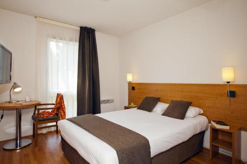 Séjours & Affaires Nantes La Beaujoire : Guest accommodation near Sainte-Luce-sur-Loire