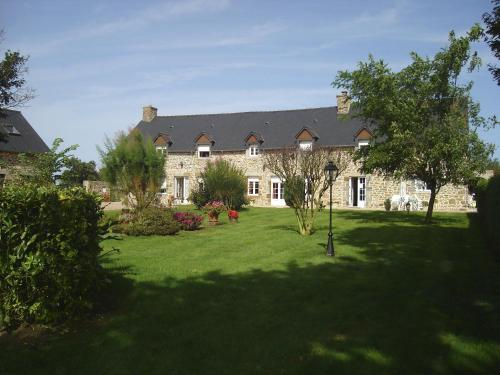 Chambres d'Hotes Les Sageais : Bed and Breakfast near Lanrigan