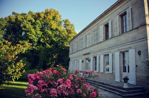 Domaine de Plisseau : Bed and Breakfast near Civrac-de-Blaye