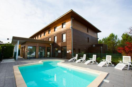 All Suites Le Teich – Bassin d'Arcachon : Hotel near Mios