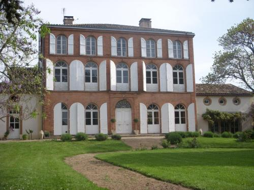 Chambres d'Hotes Au Château : Bed and Breakfast near Bourret