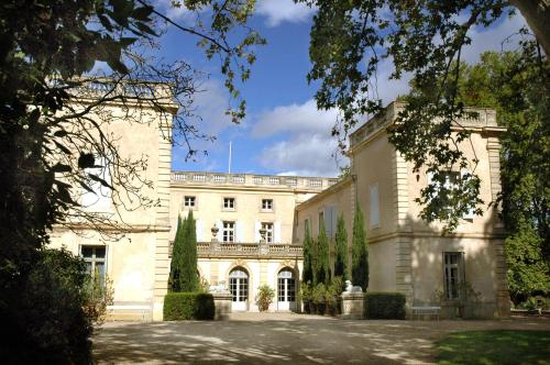 Chateau de Raissac : Guest accommodation near Corneilhan