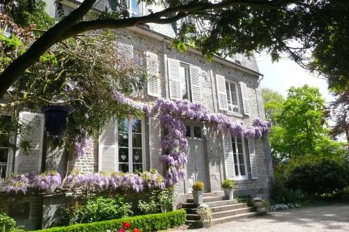 Jardin Secret : Bed and Breakfast near Saint-Jean-de-la-Haize