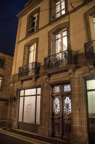 La Maison d'Adelaïde : Bed and Breakfast near Espinasse