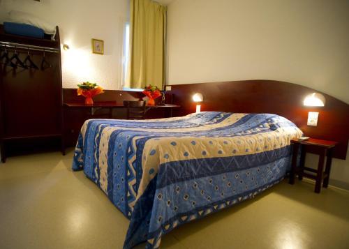 Sev'hotel : Hotel near Saint-Rome-de-Dolan