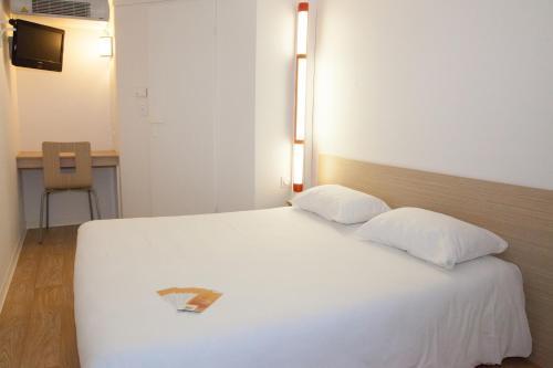 Premiere Classe Saint Malo St Jouan Des Guerets : Hotel near Saint-Père