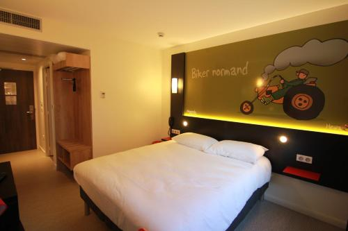 ibis Styles Flers : Hotel near Les Tourailles