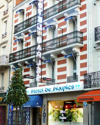 Hôtel De Naples : Hotel near Saint-Priest-Bramefant
