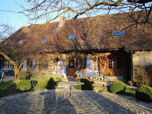 Marguerite's Ferme rustique : Bed and Breakfast near Saint-Usuge
