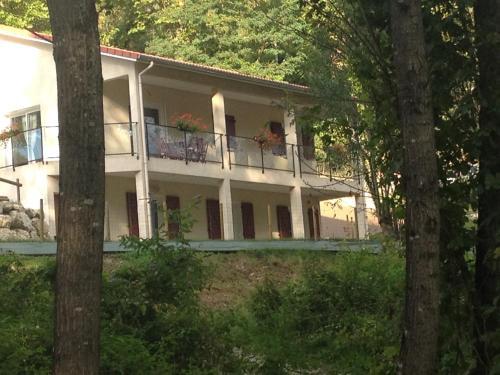 Chambres d'hôtes - Le Mas de Servant : Guest accommodation near Pont-en-Royans