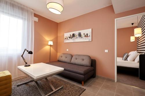 Quality Suites Toulouse Blagnac : Hotel near Launac